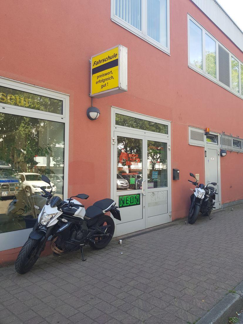 Fahrschule Neon - Nienhagener Str. Malchow 2
