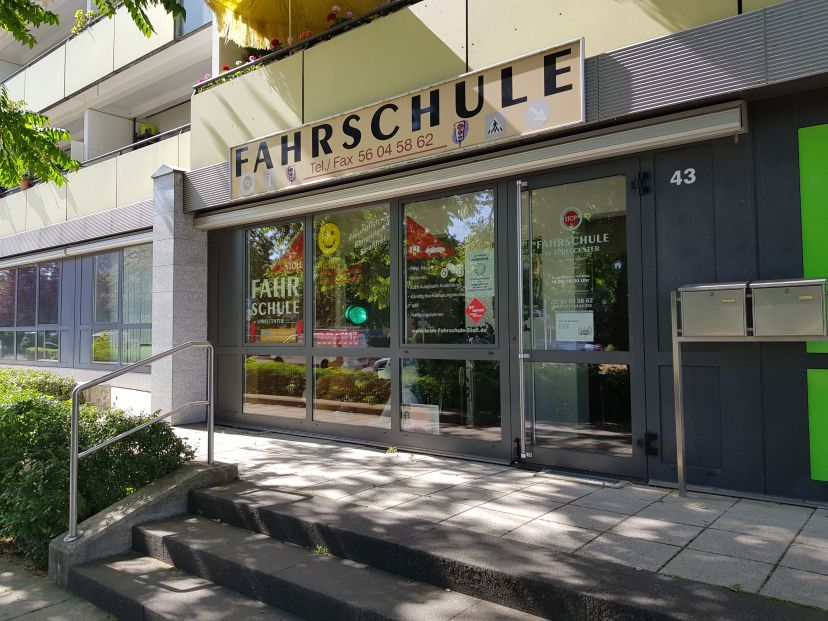 Fahrschule am Spree-Center Berlin Hellersdorf 3