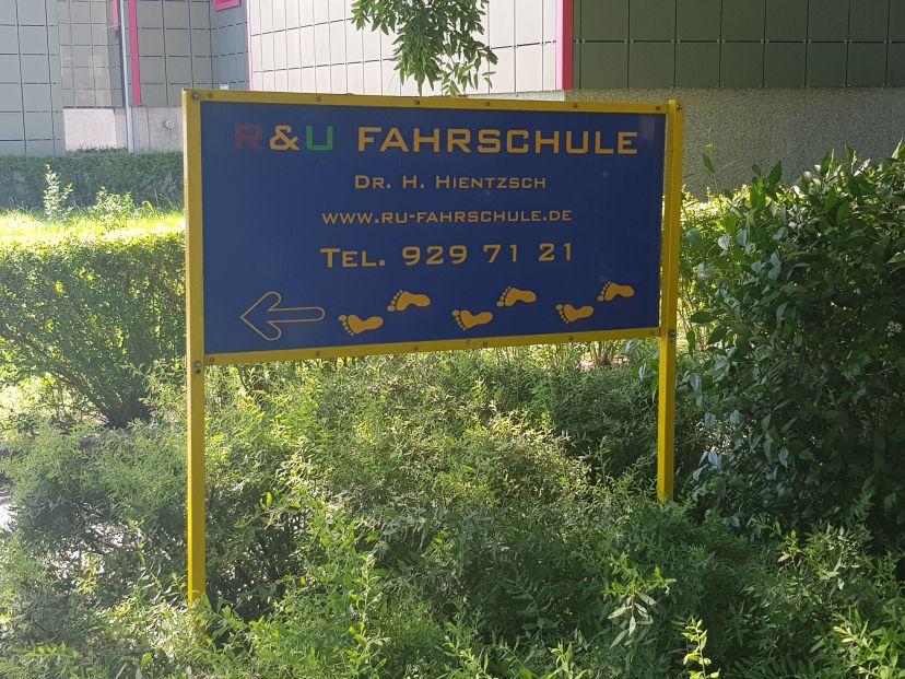 Fahrschule R & U Neu-Hohenschönhausen 3