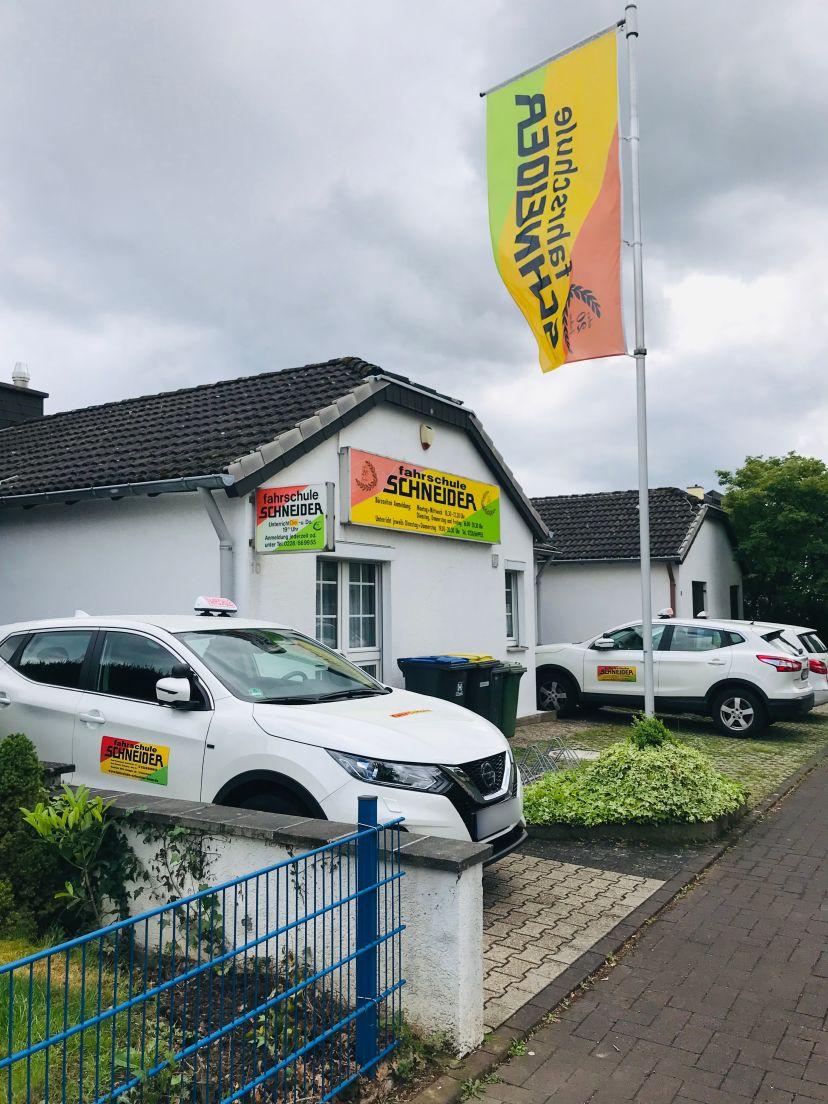 Fahrschule Schneider - Tannenbusch 4