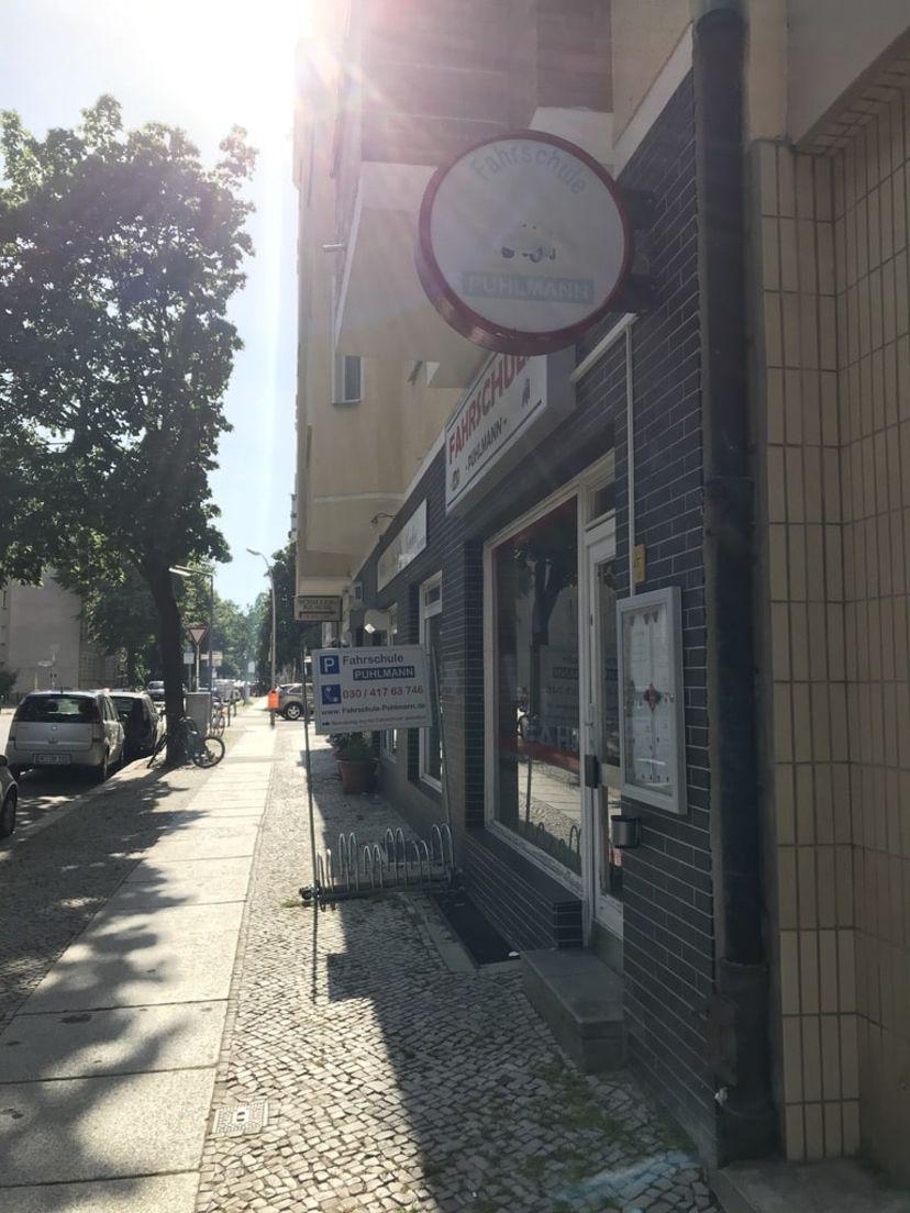 School Fahrschule Puhlmann Charlottenburg 3