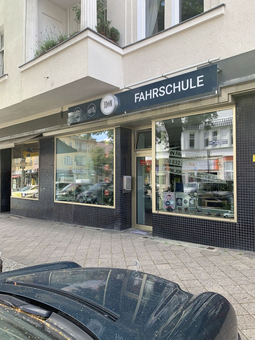 Fahrschule John - Steglitz Lichterfelde 3