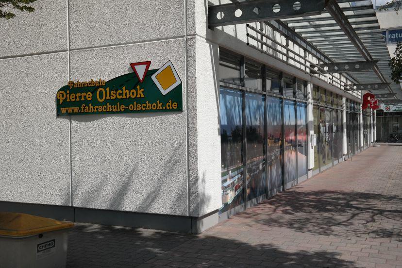 School Olschok Pierre Fahrschule Industriegebiet Klotzsche 3