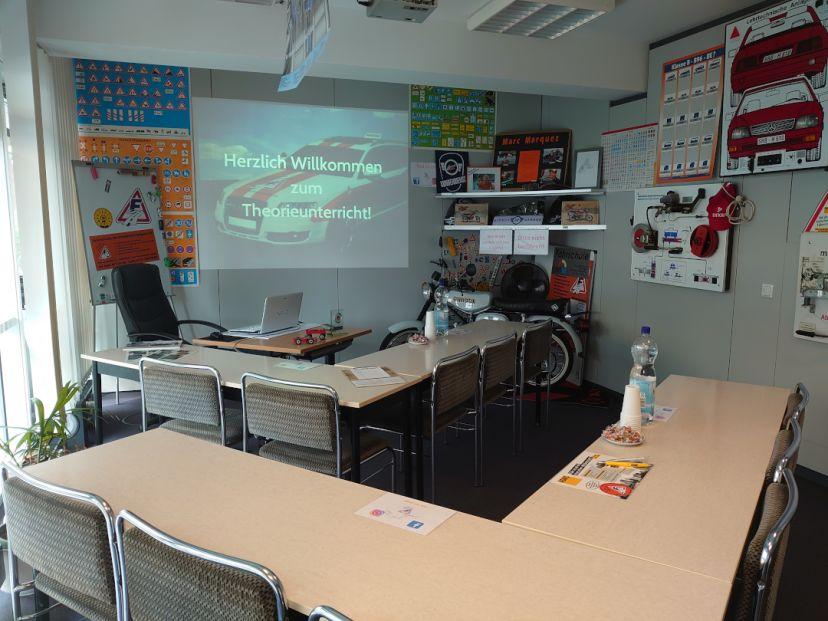 Fahrschule im Storkower Bogen - Franz Jacob Str. 2b 1.OG Friedrichshain 5