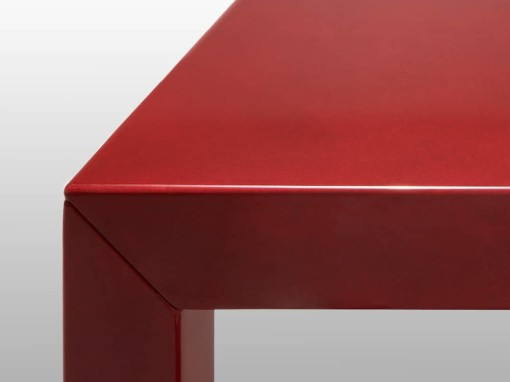 High Gloss: lacquered surfaces bring a new deep shine