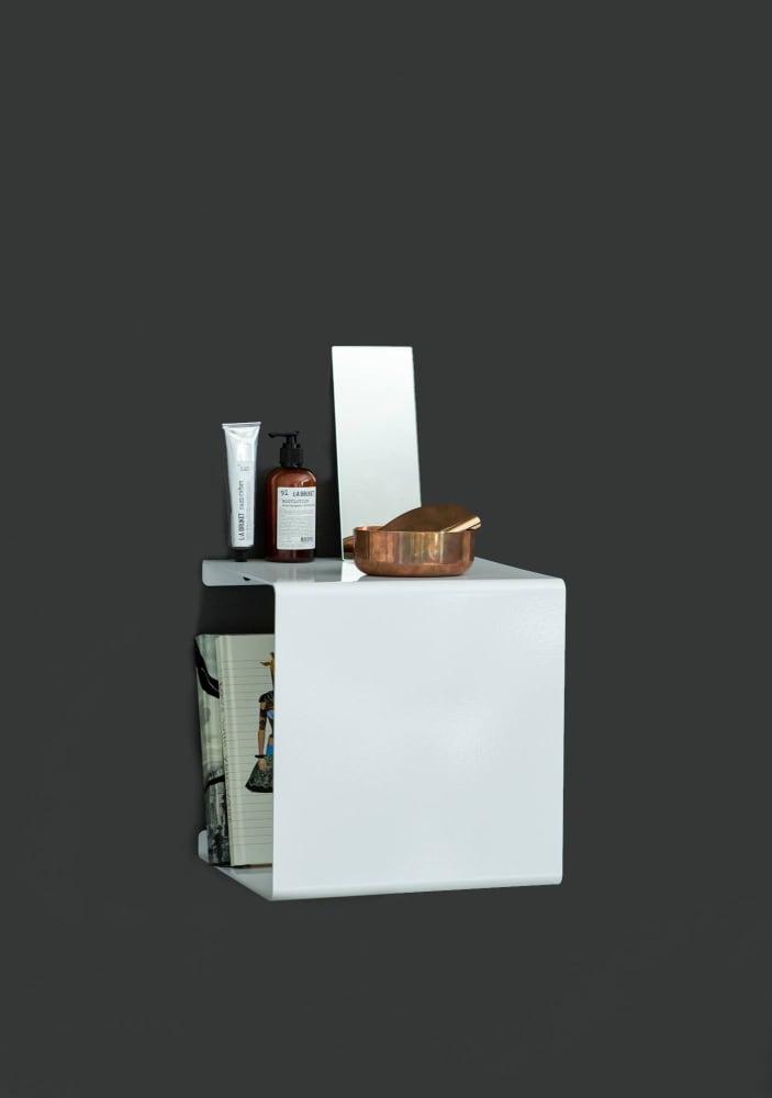 White Showcase#0 Shelf