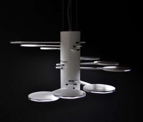 https://res.cloudinary.com/clippings/image/upload/t_big/dpr_auto,f_auto,w_auto/v1/product_bases/3x3-mach-9-s-oled-pendant-by-bernd-unrecht-lights-bernd-unrecht-lights-bernd-unrecht-clippings-2976202.jpg