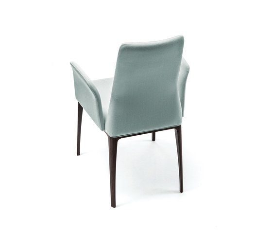 https://res.cloudinary.com/clippings/image/upload/t_big/dpr_auto,f_auto,w_auto/v1/product_bases/aida-armchair-by-bross-bross-davide-carlesi-gian-luca-tonelli-clippings-8364142.jpg