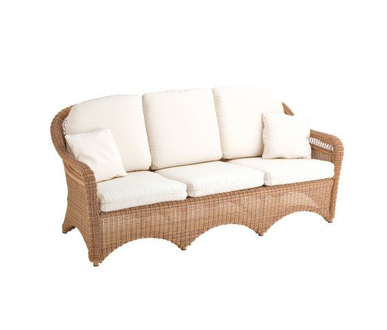 Arena sofa 3 by Point by Point