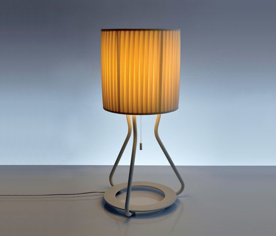 https://res.cloudinary.com/clippings/image/upload/t_big/dpr_auto,f_auto,w_auto/v1/product_bases/artus-t-table-lamp-by-bernd-unrecht-lights-bernd-unrecht-lights-bernd-unrecht-clippings-2469952.jpg