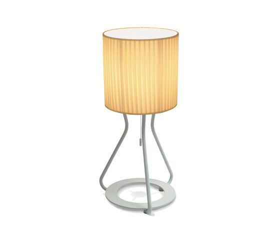 https://res.cloudinary.com/clippings/image/upload/t_big/dpr_auto,f_auto,w_auto/v1/product_bases/artus-t-table-lamp-by-bernd-unrecht-lights-bernd-unrecht-lights-bernd-unrecht-clippings-2470072.jpg
