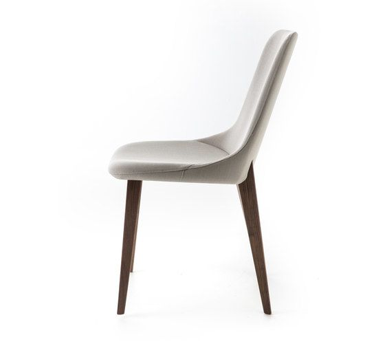 https://res.cloudinary.com/clippings/image/upload/t_big/dpr_auto,f_auto,w_auto/v1/product_bases/ascot-chair-by-bross-bross-area-44-clippings-2643282.jpg