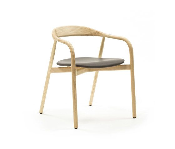https://res.cloudinary.com/clippings/image/upload/t_big/dpr_auto,f_auto,w_auto/v1/product_bases/autumn-chair-by-discipline-discipline-ichiro-iwasaki-clippings-2685782.jpg