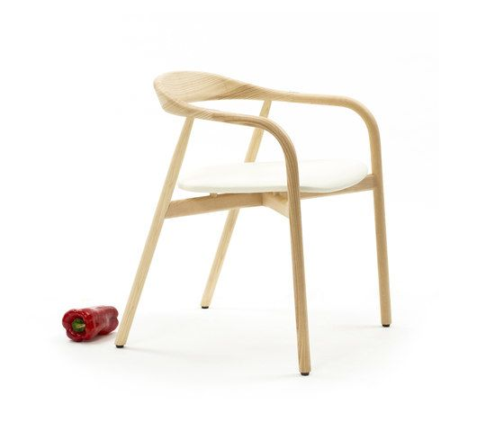https://res.cloudinary.com/clippings/image/upload/t_big/dpr_auto,f_auto,w_auto/v1/product_bases/autumn-chair-by-discipline-discipline-ichiro-iwasaki-clippings-2685882.jpg