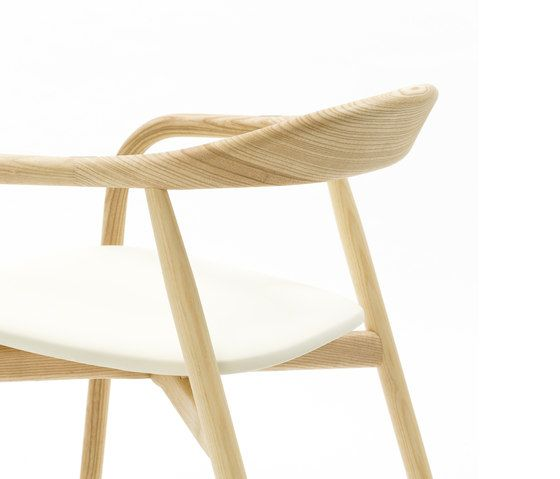 https://res.cloudinary.com/clippings/image/upload/t_big/dpr_auto,f_auto,w_auto/v1/product_bases/autumn-chair-by-discipline-discipline-ichiro-iwasaki-clippings-2685892.jpg