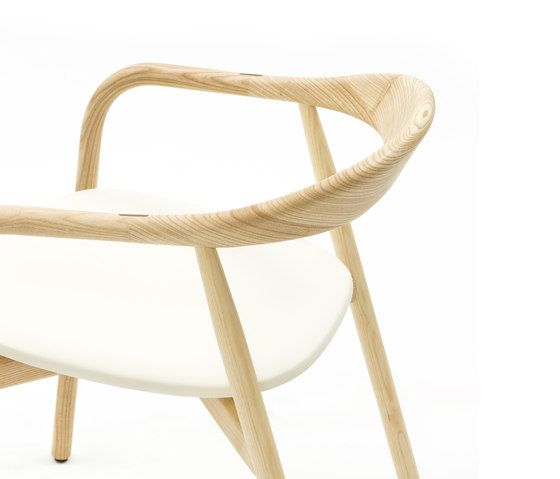 https://res.cloudinary.com/clippings/image/upload/t_big/dpr_auto,f_auto,w_auto/v1/product_bases/autumn-chair-by-discipline-discipline-ichiro-iwasaki-clippings-2685912.jpg