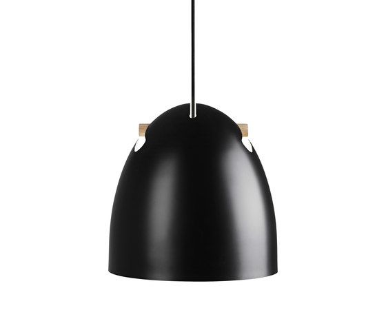 https://res.cloudinary.com/clippings/image/upload/t_big/dpr_auto,f_auto,w_auto/v1/product_bases/bell-50-p1-pendant-oak-black-by-daro-daro-thomas-holst-madsen-clippings-3042172.jpg