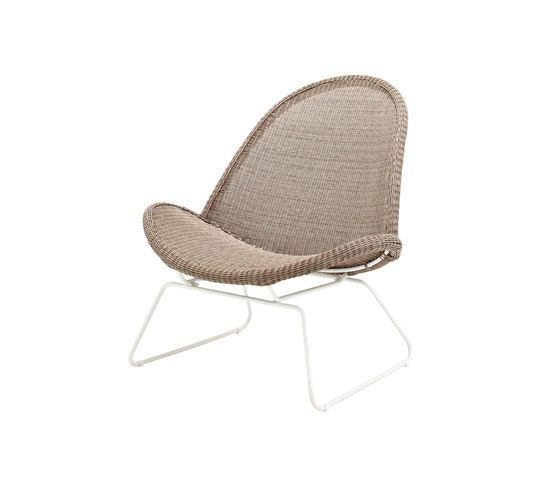 https://res.cloudinary.com/clippings/image/upload/t_big/dpr_auto,f_auto,w_auto/v1/product_bases/bepal-lounge-chair-by-gloster-furniture-gloster-furniture-henrik-pedersen-clippings-7603912.jpg