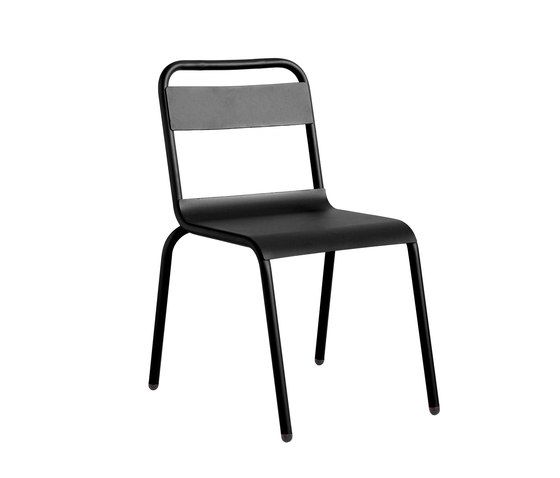 https://res.cloudinary.com/clippings/image/upload/t_big/dpr_auto,f_auto,w_auto/v1/product_bases/biarritz-chair-by-isi-mar-isi-mar-clippings-7002962.jpg