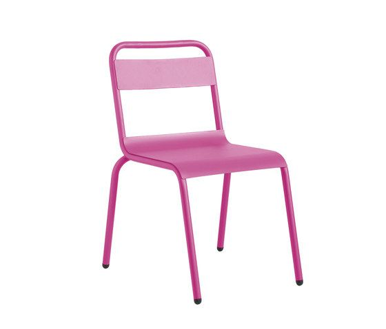 https://res.cloudinary.com/clippings/image/upload/t_big/dpr_auto,f_auto,w_auto/v1/product_bases/biarritz-chair-by-isi-mar-isi-mar-clippings-7003202.jpg