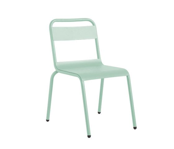 https://res.cloudinary.com/clippings/image/upload/t_big/dpr_auto,f_auto,w_auto/v1/product_bases/biarritz-chair-by-isi-mar-isi-mar-clippings-7003372.jpg