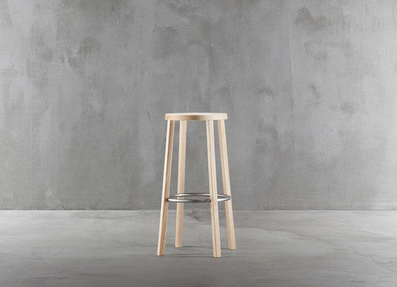 https://res.cloudinary.com/clippings/image/upload/t_big/dpr_auto,f_auto,w_auto/v1/product_bases/blocco-stool-8500-00-by-plank-plank-naoto-fukasawa-clippings-2935102.jpg