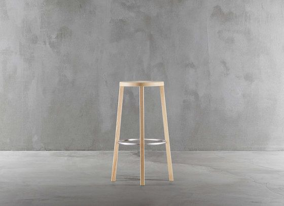 https://res.cloudinary.com/clippings/image/upload/t_big/dpr_auto,f_auto,w_auto/v1/product_bases/blocco-stool-8500-00-by-plank-plank-naoto-fukasawa-clippings-2935122.jpg