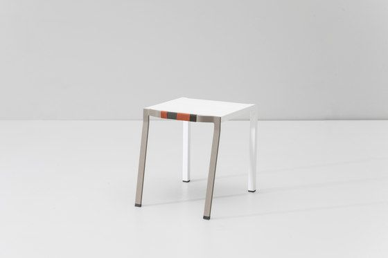 https://res.cloudinary.com/clippings/image/upload/t_big/dpr_auto,f_auto,w_auto/v1/product_bases/bob-side-table-by-kettal-kettal-hella-jongerius-clippings-3779912.jpg