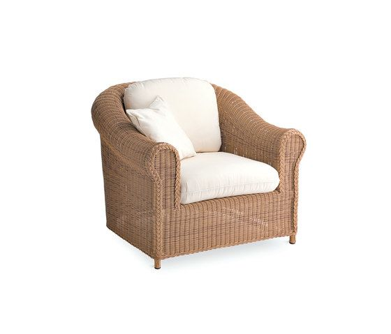 Brumas armchair by Point by Point