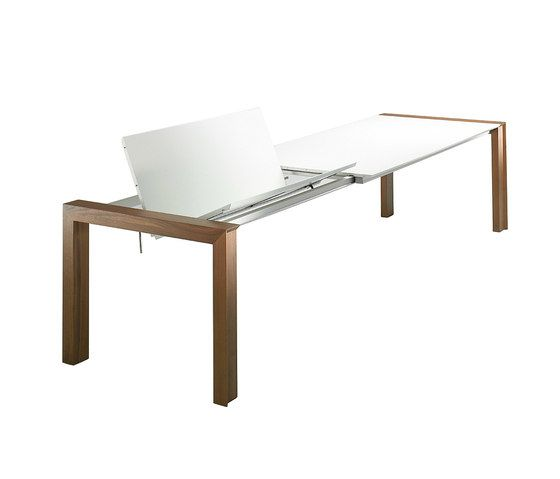 https://res.cloudinary.com/clippings/image/upload/t_big/dpr_auto,f_auto,w_auto/v1/product_bases/canto-dining-table-by-christine-kroncke-christine-kroncke-clippings-2071002.jpg