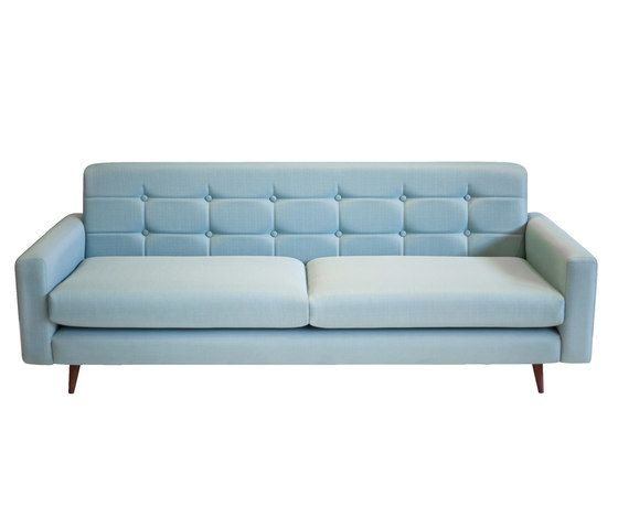 https://res.cloudinary.com/clippings/image/upload/t_big/dpr_auto,f_auto,w_auto/v1/product_bases/chelsea-sofa-by-lounge-22-lounge-22-armen-gharabegian-clippings-5036772.jpg