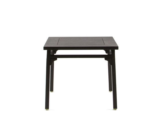 https://res.cloudinary.com/clippings/image/upload/t_big/dpr_auto,f_auto,w_auto/v1/product_bases/cl7949-side-table-by-maiori-design-maiori-design-clippings-7824672.jpg
