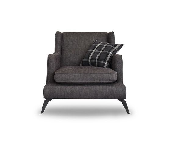 https://res.cloudinary.com/clippings/image/upload/t_big/dpr_auto,f_auto,w_auto/v1/product_bases/class-680-armchair-by-vibieffe-vibieffe-gianluigi-landoni-clippings-5651802.jpg