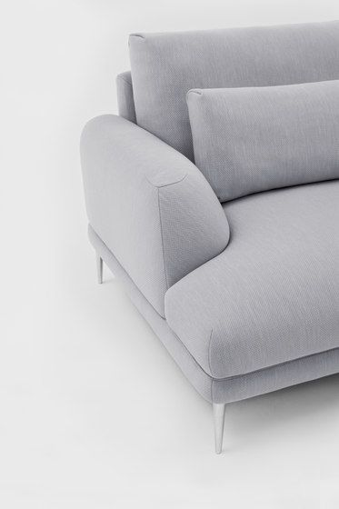https://res.cloudinary.com/clippings/image/upload/t_big/dpr_auto,f_auto,w_auto/v1/product_bases/classic-sofa-by-comforty-comforty-krystian-kowalski-clippings-4705202.jpg