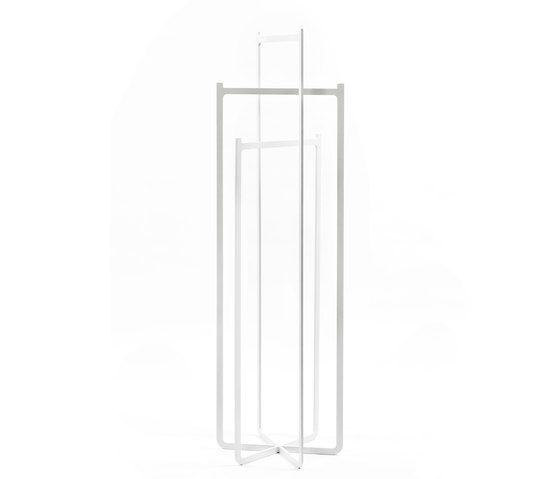 https://res.cloudinary.com/clippings/image/upload/t_big/dpr_auto,f_auto,w_auto/v1/product_bases/clip-coat-hanger-by-discipline-discipline-nendo-clippings-8161852.jpg