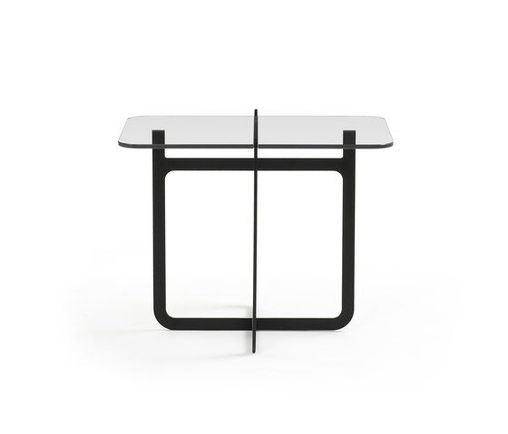 https://res.cloudinary.com/clippings/image/upload/t_big/dpr_auto,f_auto,w_auto/v1/product_bases/clip-side-table-high-by-discipline-discipline-nendo-clippings-1773602.jpg
