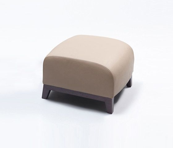 https://res.cloudinary.com/clippings/image/upload/t_big/dpr_auto,f_auto,w_auto/v1/product_bases/collins-ottoman-by-comforty-comforty-tomek-rygalik-clippings-3321702.jpg
