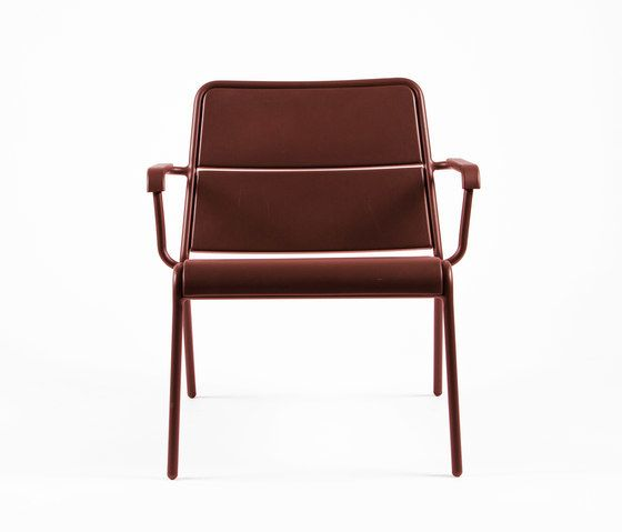 https://res.cloudinary.com/clippings/image/upload/t_big/dpr_auto,f_auto,w_auto/v1/product_bases/cp9100-low-armchair-by-maiori-design-maiori-design-christophe-pillet-clippings-7781692.jpg