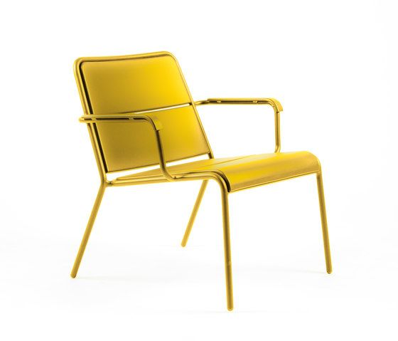 https://res.cloudinary.com/clippings/image/upload/t_big/dpr_auto,f_auto,w_auto/v1/product_bases/cp9100-low-armchair-by-maiori-design-maiori-design-christophe-pillet-clippings-7781862.jpg