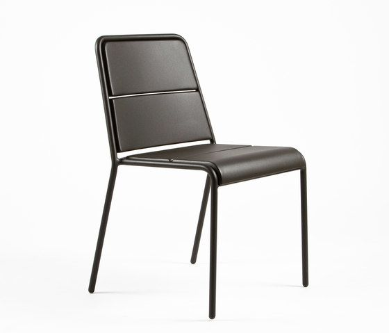 https://res.cloudinary.com/clippings/image/upload/t_big/dpr_auto,f_auto,w_auto/v1/product_bases/cp9102-armchair-by-maiori-design-maiori-design-christophe-pillet-clippings-6396932.jpg