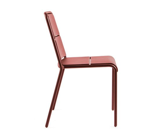 https://res.cloudinary.com/clippings/image/upload/t_big/dpr_auto,f_auto,w_auto/v1/product_bases/cp9102-armchair-by-maiori-design-maiori-design-christophe-pillet-clippings-6397372.jpg