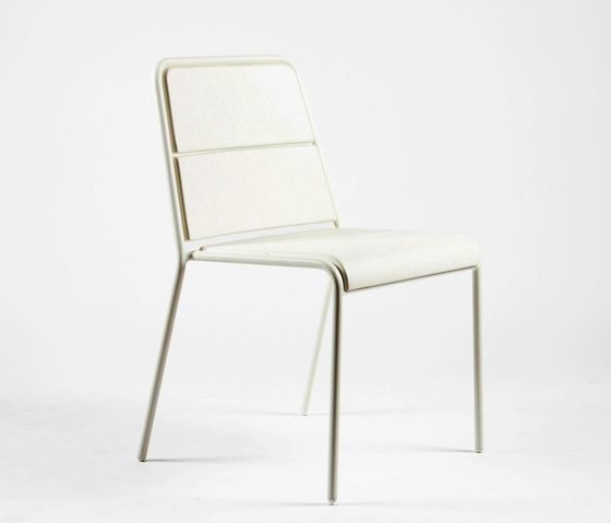 https://res.cloudinary.com/clippings/image/upload/t_big/dpr_auto,f_auto,w_auto/v1/product_bases/cp9102-armchair-by-maiori-design-maiori-design-christophe-pillet-clippings-6397462.jpg
