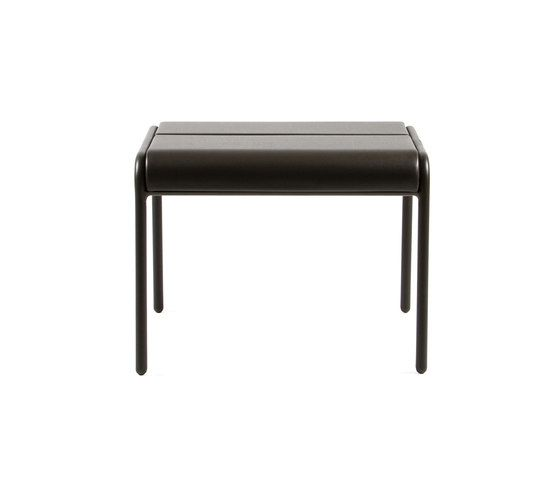 https://res.cloudinary.com/clippings/image/upload/t_big/dpr_auto,f_auto,w_auto/v1/product_bases/cp9103-ottoman-by-maiori-design-maiori-design-christophe-pillet-clippings-4423032.jpg
