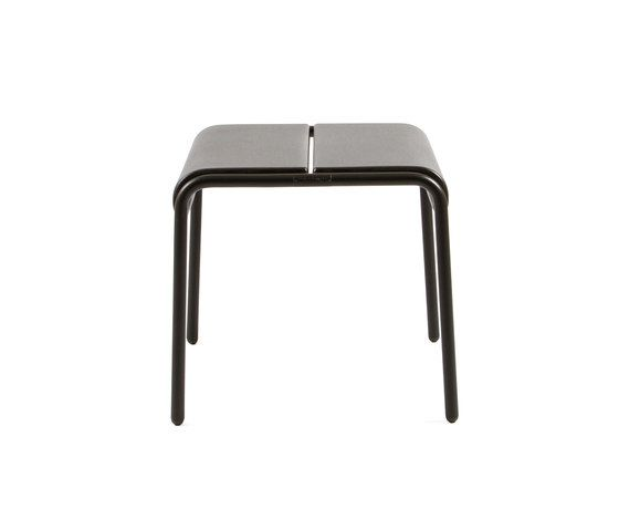 https://res.cloudinary.com/clippings/image/upload/t_big/dpr_auto,f_auto,w_auto/v1/product_bases/cp9103-ottoman-by-maiori-design-maiori-design-christophe-pillet-clippings-4423042.jpg
