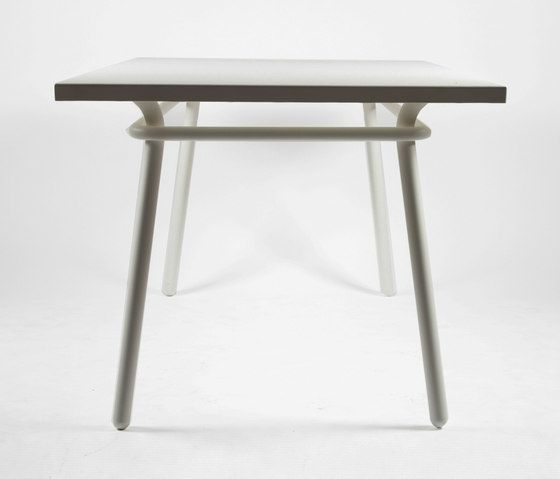 https://res.cloudinary.com/clippings/image/upload/t_big/dpr_auto,f_auto,w_auto/v1/product_bases/cp9109-long-table-by-maiori-design-maiori-design-christophe-pillet-clippings-3735972.jpg