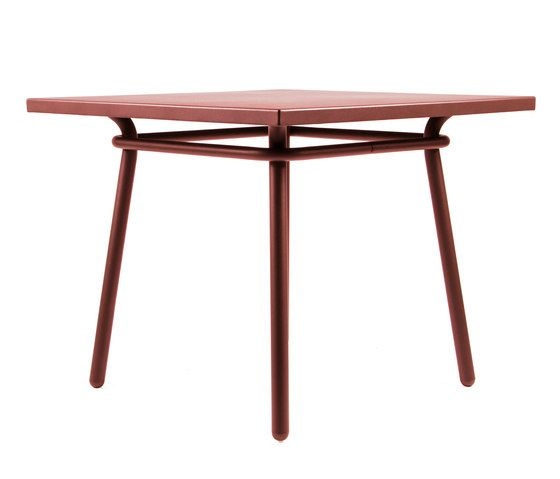 https://res.cloudinary.com/clippings/image/upload/t_big/dpr_auto,f_auto,w_auto/v1/product_bases/cp9110-square-table-by-maiori-design-maiori-design-christophe-pillet-clippings-3672432.jpg