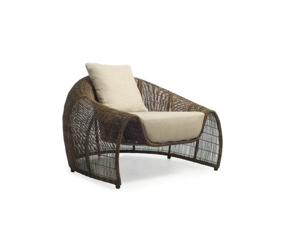 https://res.cloudinary.com/clippings/image/upload/t_big/dpr_auto,f_auto,w_auto/v1/product_bases/croissant-easy-armchair-by-kenneth-cobonpue-kenneth-cobonpue-kenneth-cobonpue-clippings-6160902.jpg
