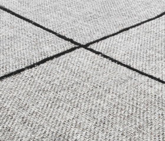 Crossline silver gray, 200x300cm by Miinu