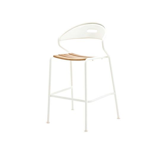 https://res.cloudinary.com/clippings/image/upload/t_big/dpr_auto,f_auto,w_auto/v1/product_bases/curve-bar-chair-by-gloster-furniture-gloster-furniture-henrik-pedersen-clippings-4901272.jpg