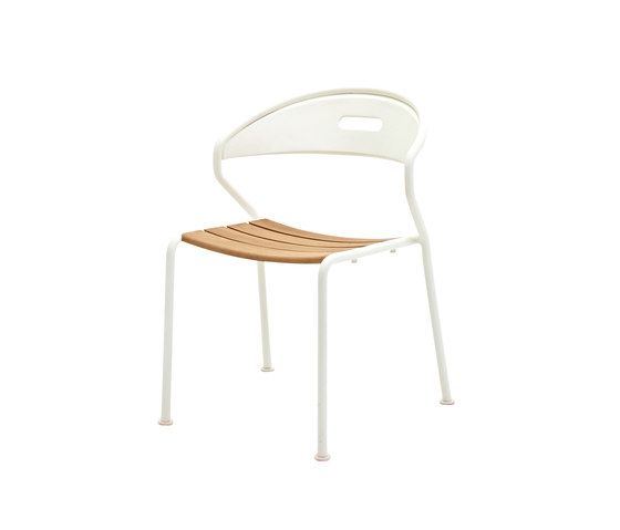 https://res.cloudinary.com/clippings/image/upload/t_big/dpr_auto,f_auto,w_auto/v1/product_bases/curve-stacking-chair-by-gloster-furniture-gloster-furniture-henrik-pedersen-clippings-7016442.jpg